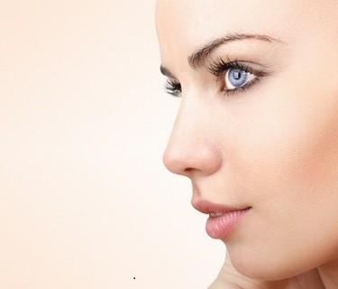 Wie Frisur und Kosmetik den eigenen Typ verändern können